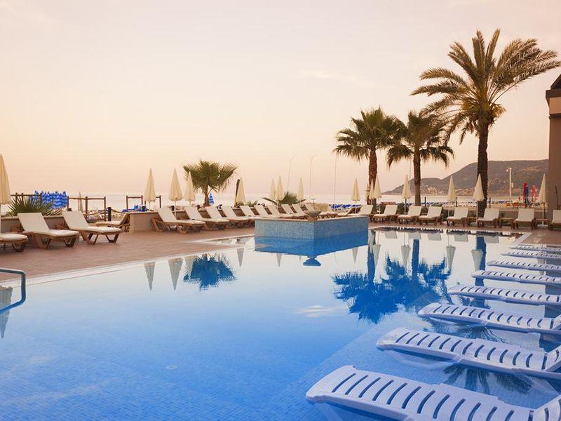 Alladdin-Beach-Hotel7